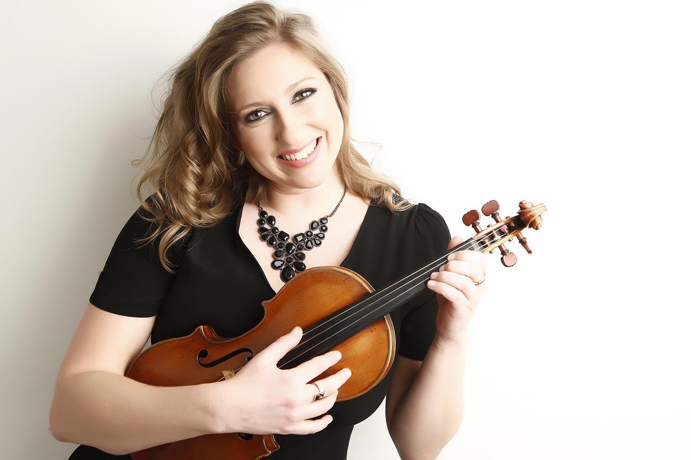 Seonaid Aitken posing with Violin